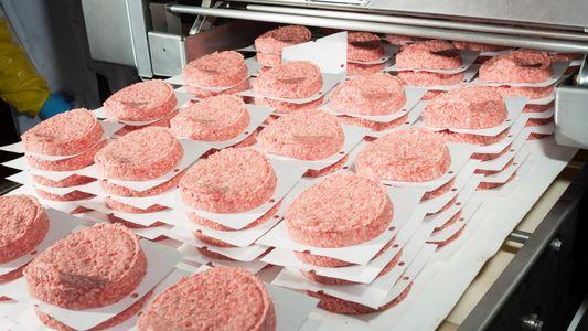 Fast-food aumenta exposição a substância química permanente chamada PFAS