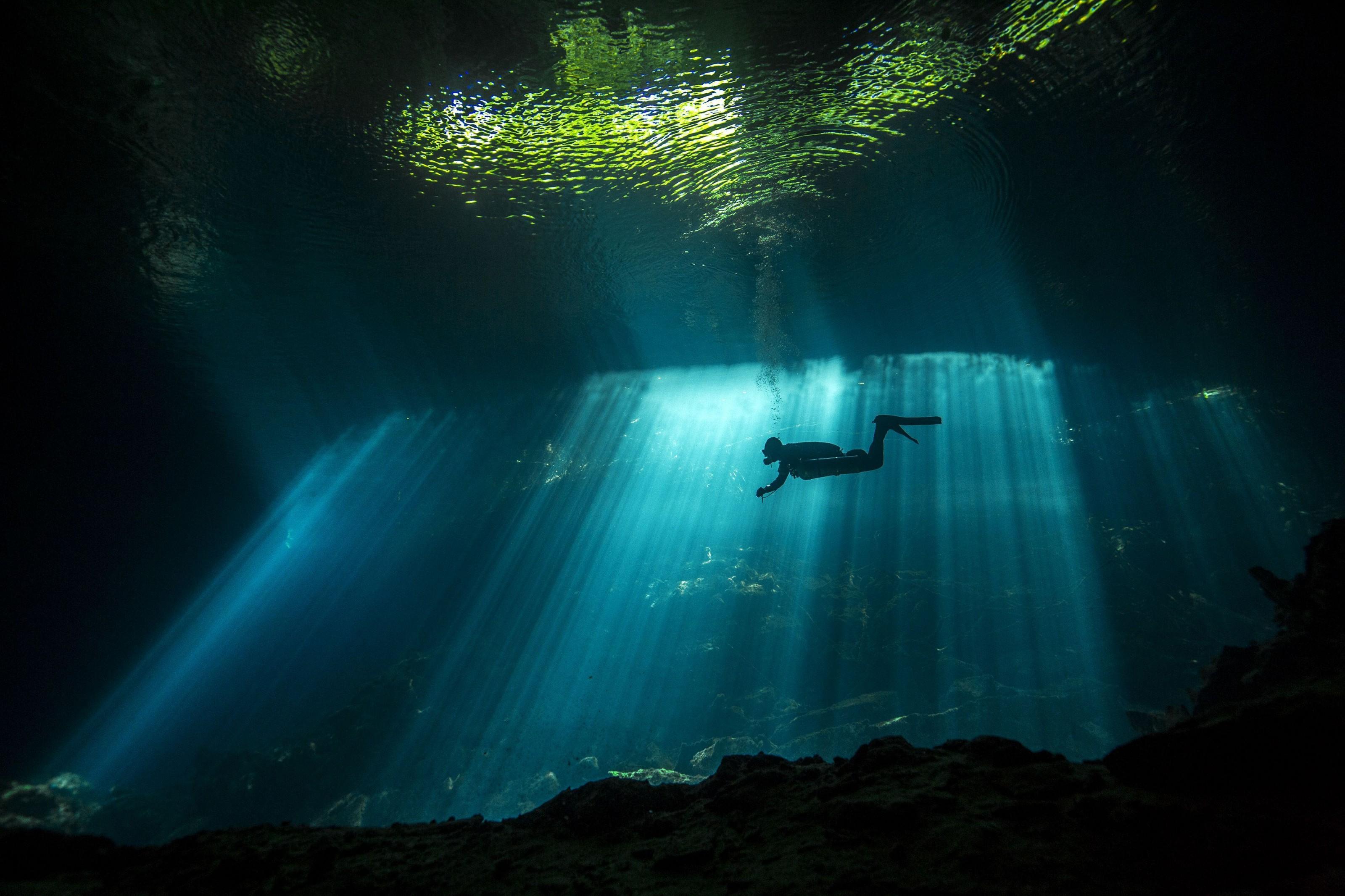 Mergulho iluminado