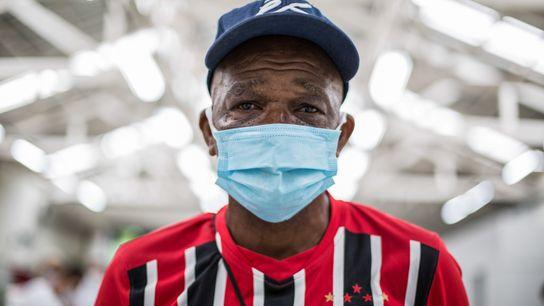 Sérgio Eduardo Zacharias, 61 anos, vive sem teto há 20 anos e foi um dos primeiros ...