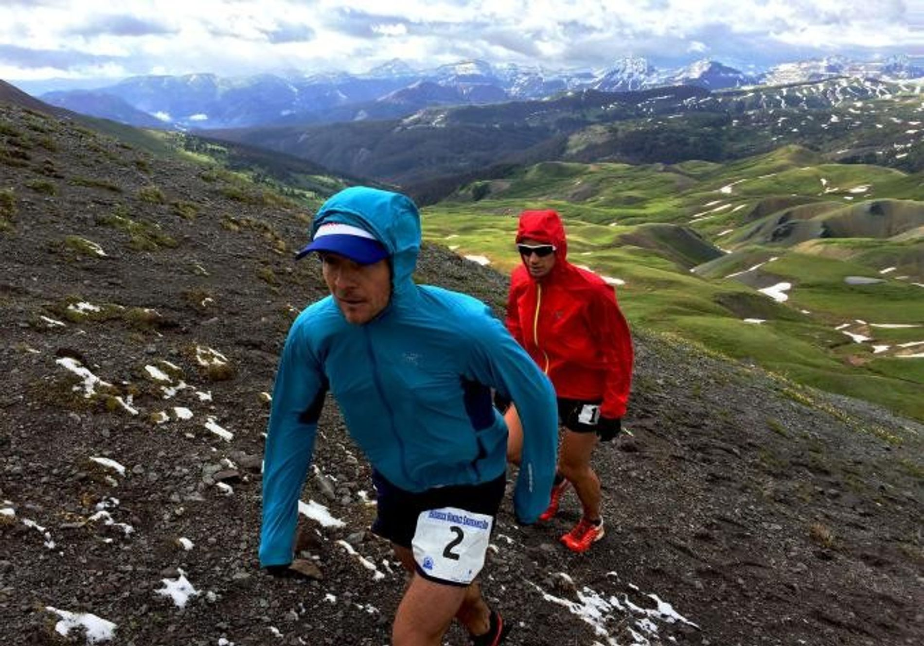 Maratonistas na Green Mountain no Hardrock 100 em 2015.