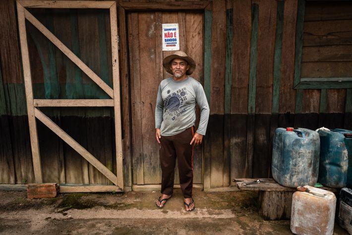 Antônio Filho garimpa desde os 13 anos. Hoje, com 56, voltou de Mato Grosso depois de ...