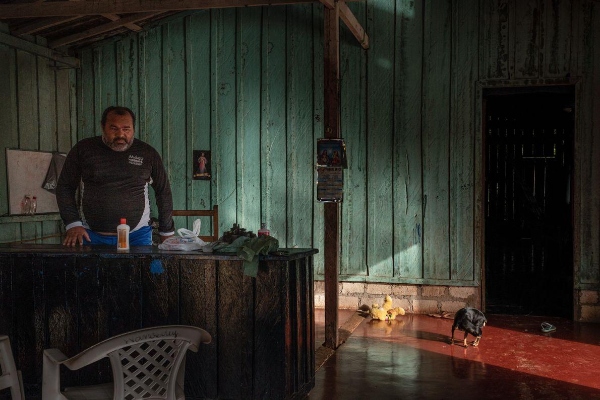 Ex-presidente da Associação de Moradores da Vila de São José, Vanderlei Pinheiro, de 48 anos, encabeçou ...