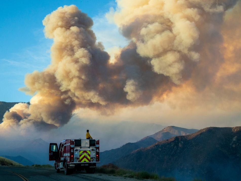 Fumaça de incêndio florestal relacionada a aumento de mortalidade por covid-19