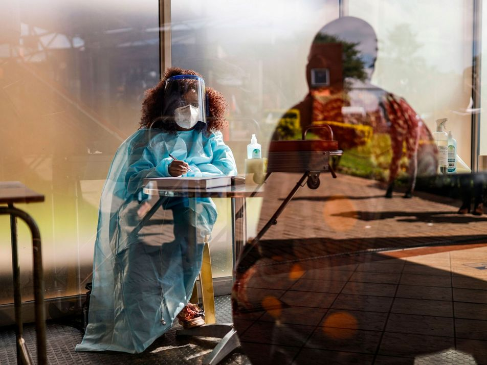 Por que doses de reforço contra variantes do coronavírus podem acabar com a pandemia