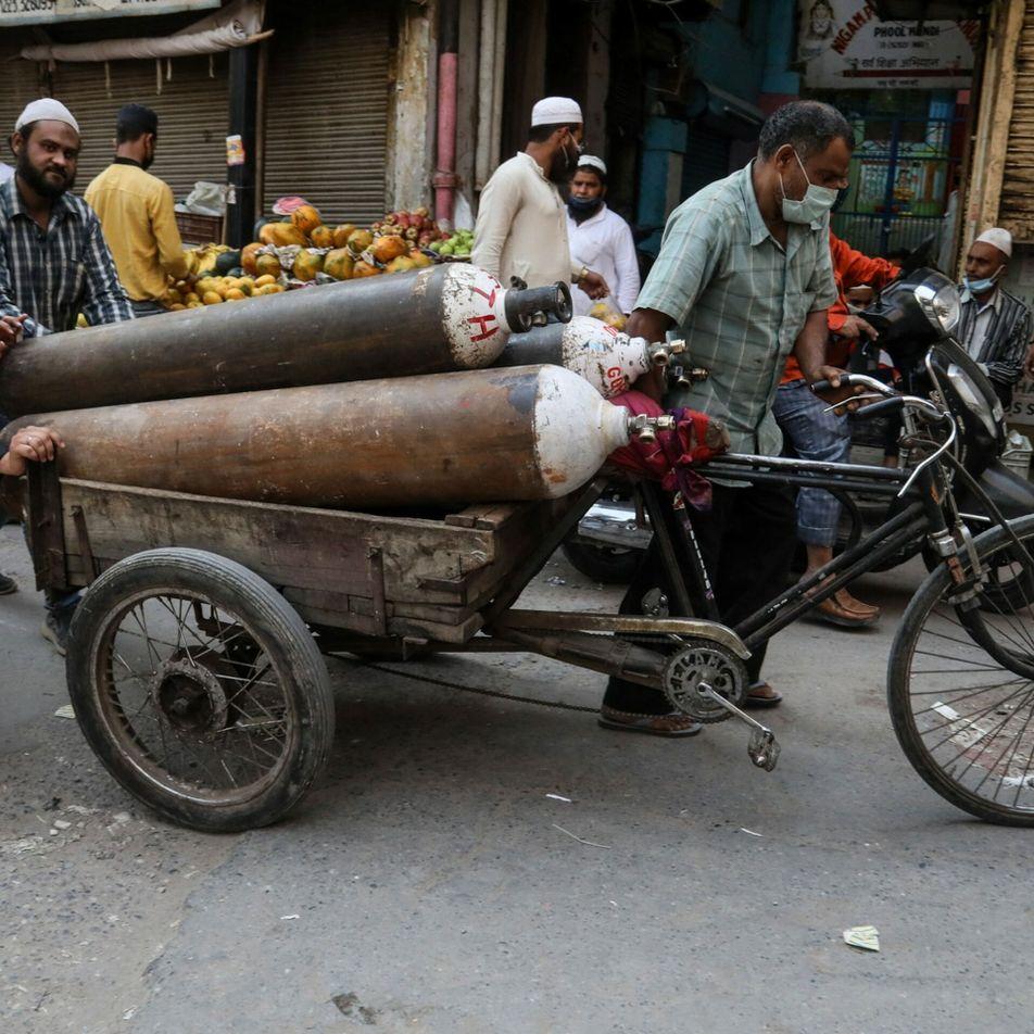 Crise na Índia mostra como tratamento com oxigênio não está acessível a todos