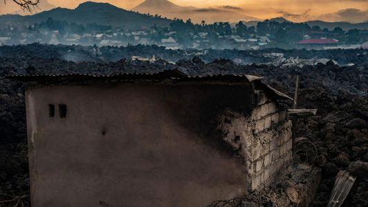 Um dos vulcões mais perigosos da África, o Monte Nyiragongo entrou em erupção