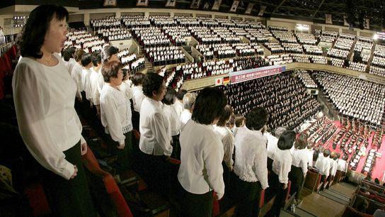 """Cinco mil coristas amadores cantaram """"Ode à Alegria"""" da Nona Sinfonia de Beethoven em Tóquio, no Japão, ..."""