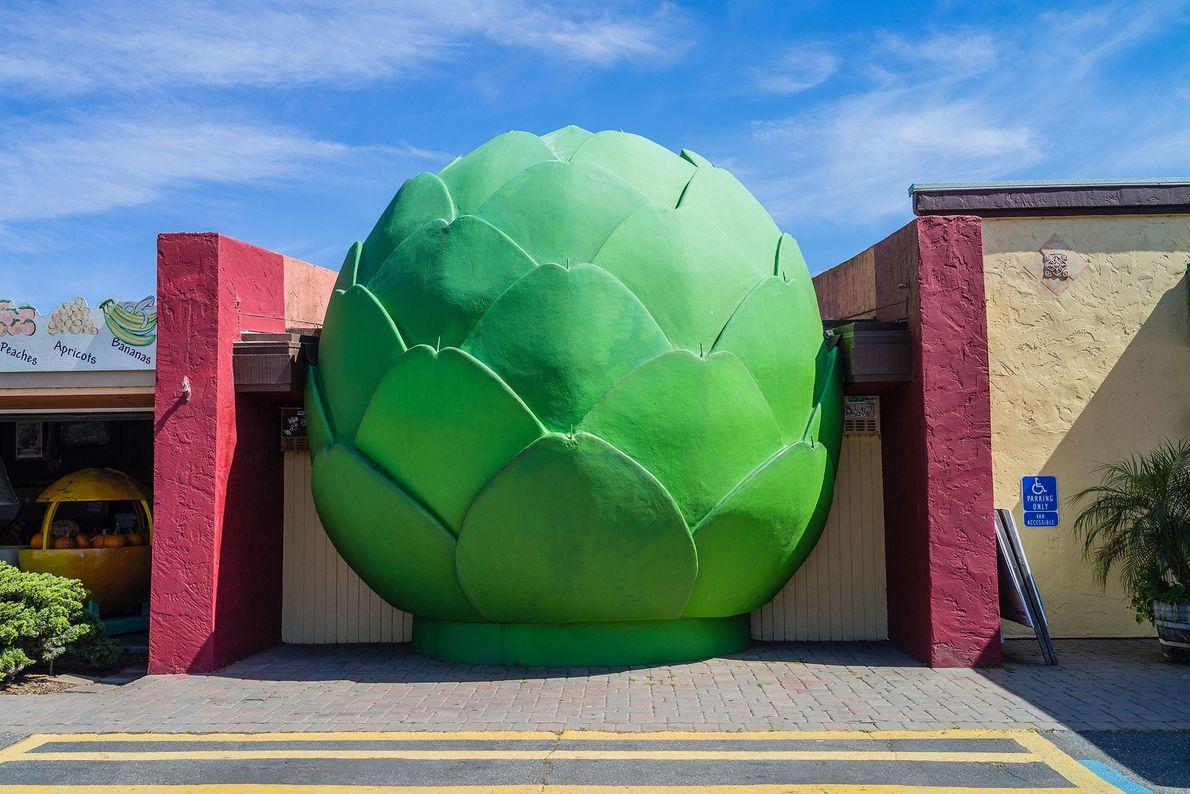 """CASTROVILLE, CALIFÓRNIA,ESTADOS UNIDOS  Conhecida como a """"capital mundial da alcachofra"""", essa cidade em Monterey, Califórnia, organiza ..."""