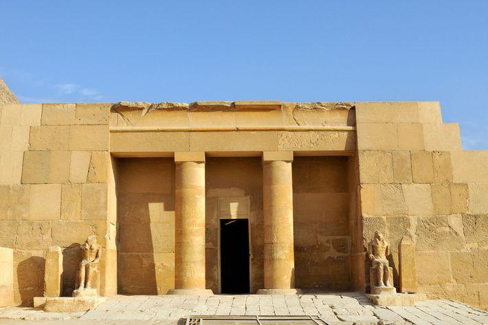 O túmulo bem preservado de Meresankh III foi descoberto em 1927.