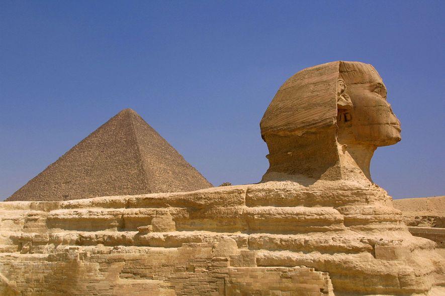 A Esfinge, uma das estátuas mais antigas do mundo, é um misterioso monumento de calcário com ...