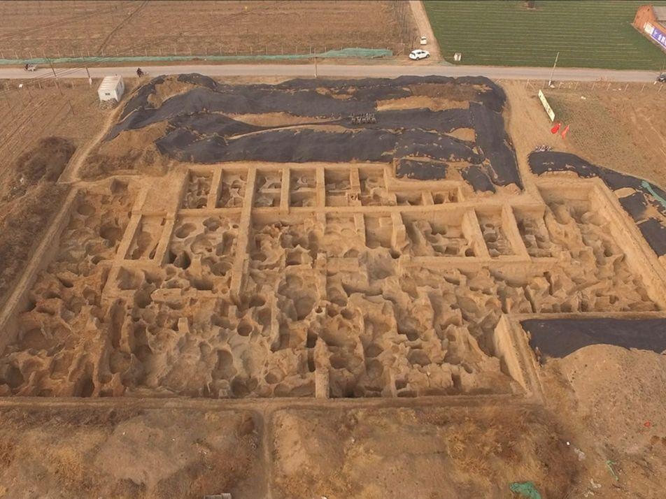 Encontrada fábrica de moedas mais antiga do mundo na China