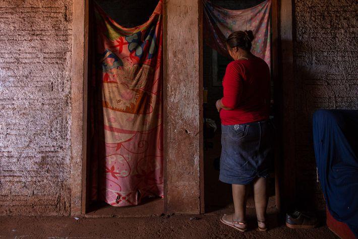 Florencia Reginaldo, que mora na Reserva Indígena de Dourados, estava cuidando dos filhos de sua irmã ...
