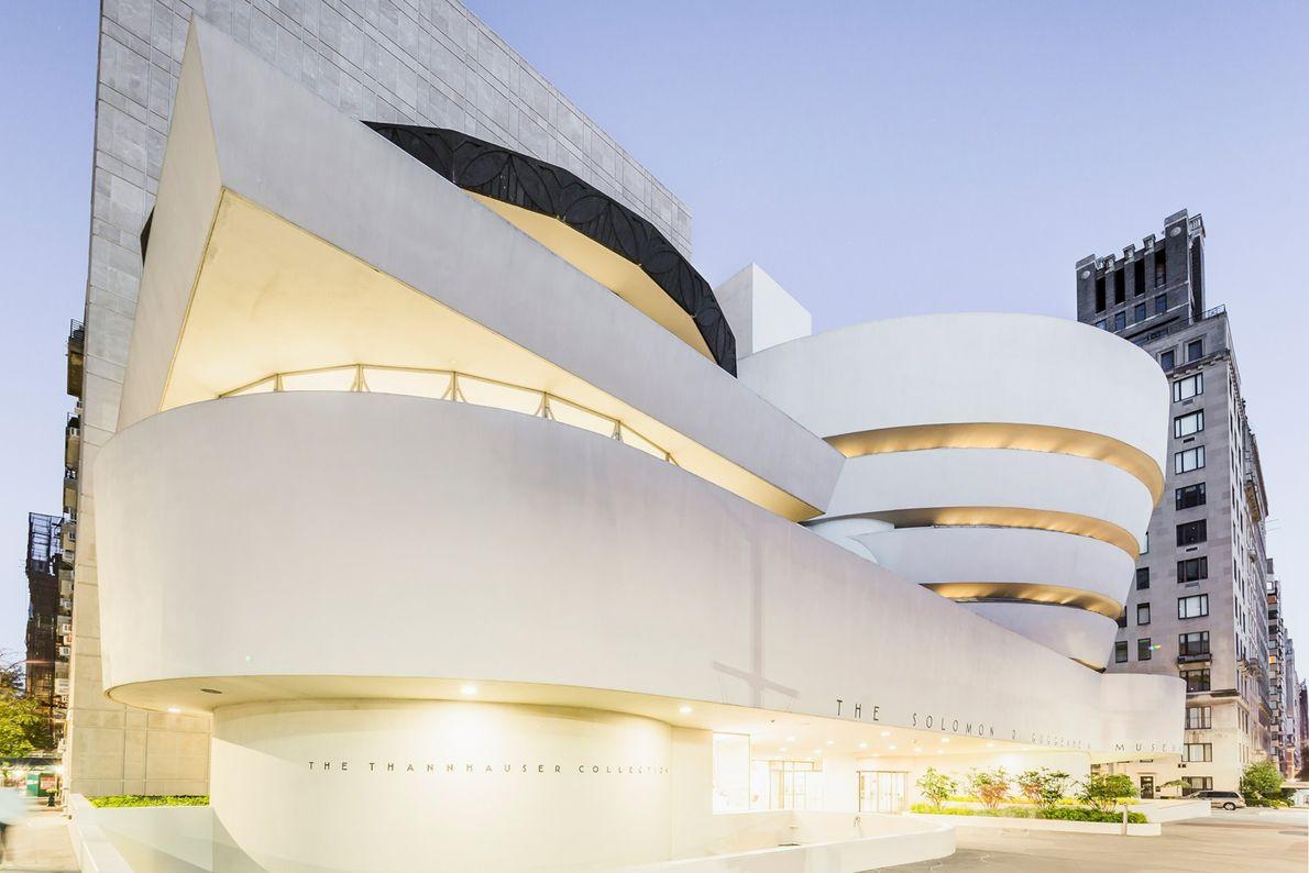 MUSEU GUGGENHEIM, ESTADOS UNIDOS  Na década de 1940, o arquiteto Frank Lloyd Wright projetava o Museu Solomon ...