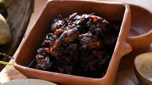 Sabores da Guiana: aprenda a fazer um pepper pot de frango com Gordon Ramsay