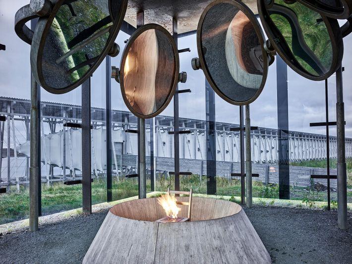 O Memorial Steilneset da Noruega foi projetado pela artista Louise Bourgeois e pelo arquiteto Peter Zumthor ...
