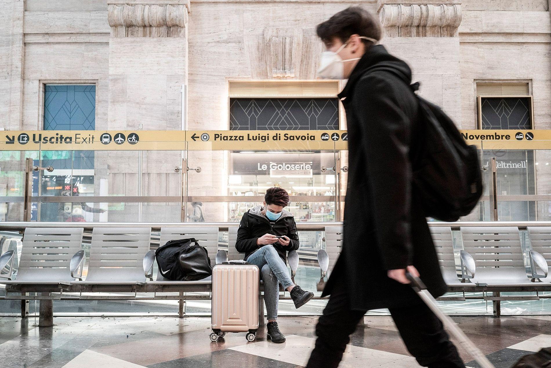 Ainda antes das novas restrições de viagem entrarem em vigor na Itália em 8 de março, ...