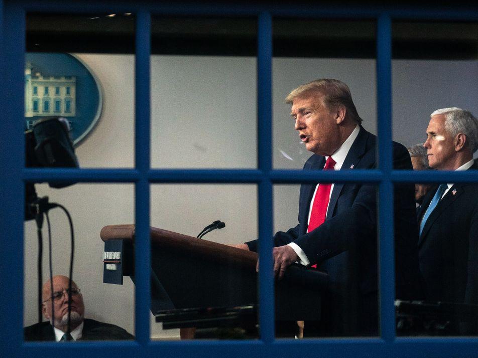 Pedidos para remover Trump através da 25ª Emenda crescem. Saiba por que isso nunca ocorreu