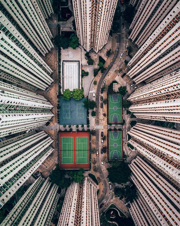 Complexo habitacional de Richland Gardens, localizado perto da Baía de Kowloon.