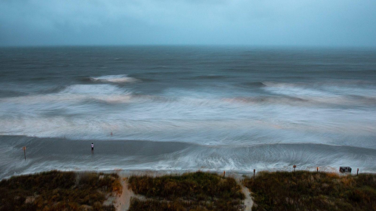 Furacão Isaías próximo a Myrtle Beach, Carolina do Sul, em 3 de agosto de 2020. As ...