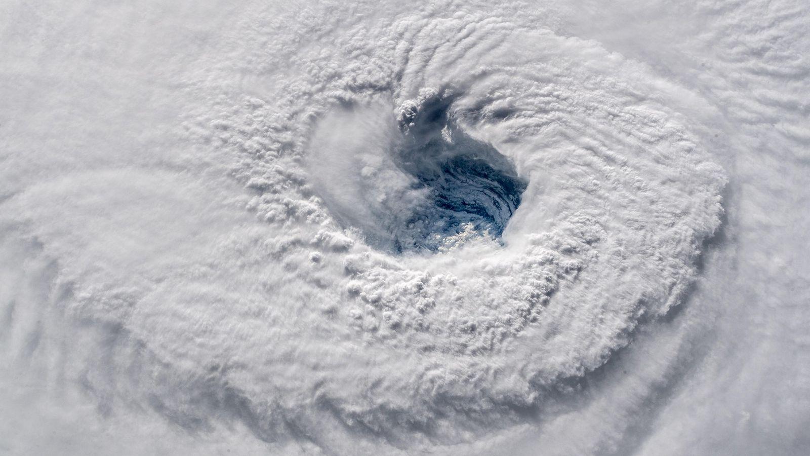 Uma câmera de alta definição na parte externa da estação espacial mostra o furacão Florence, uma ...