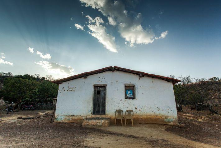 Com a área de pesquisa é remota, os pesquisadores contam com o apoio das comunidades tradicionais ...
