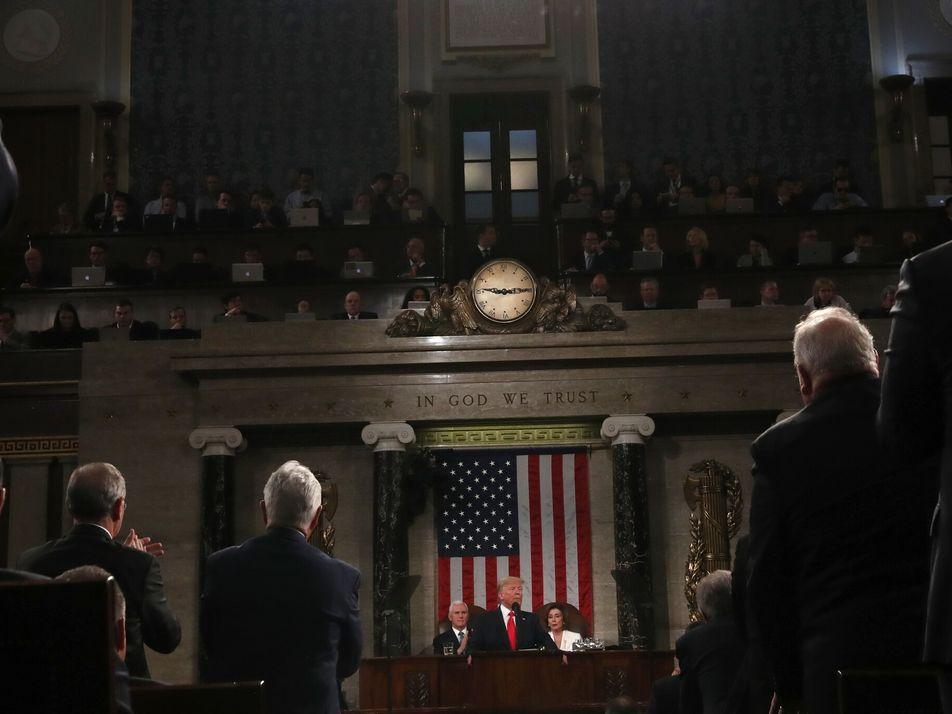 Em quanto tempo o Congresso americano pode realizar o impeachment de um presidente?