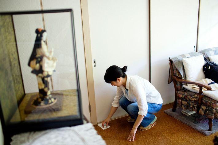 japao-reclusos-sociais-hikikomori-Fuminori-Akao-irma-de-aluguel