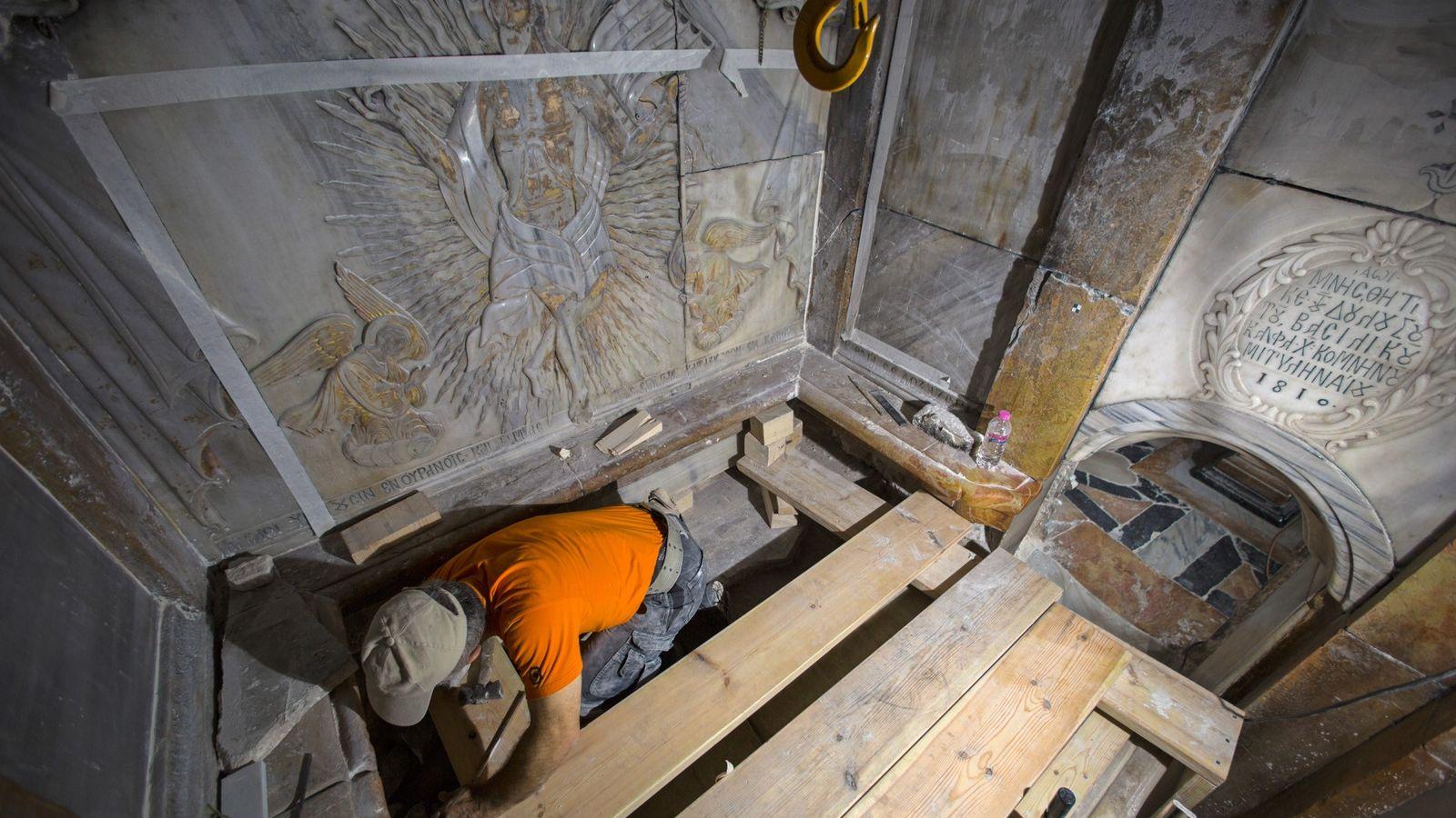 Túmulo em restauração
