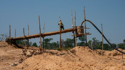 Por dentro de um garimpo ilegal na Amazônia