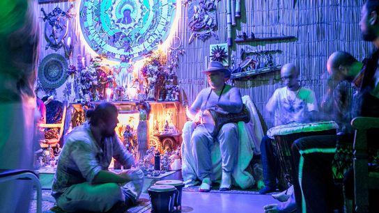 Ritual de Ayahuasca no Centro Ayahusqueiro Jiboia Sagrada, zona noroeste de São Paulo (SP). O uso ...
