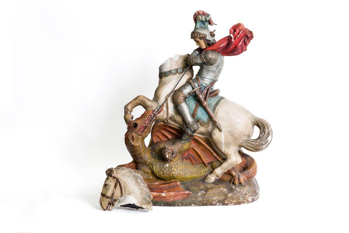 Imagem do cavaleiro São Jorge, santo católico tradicionalmente sincretizado na umbanda carioca e associado a Ogun, ...