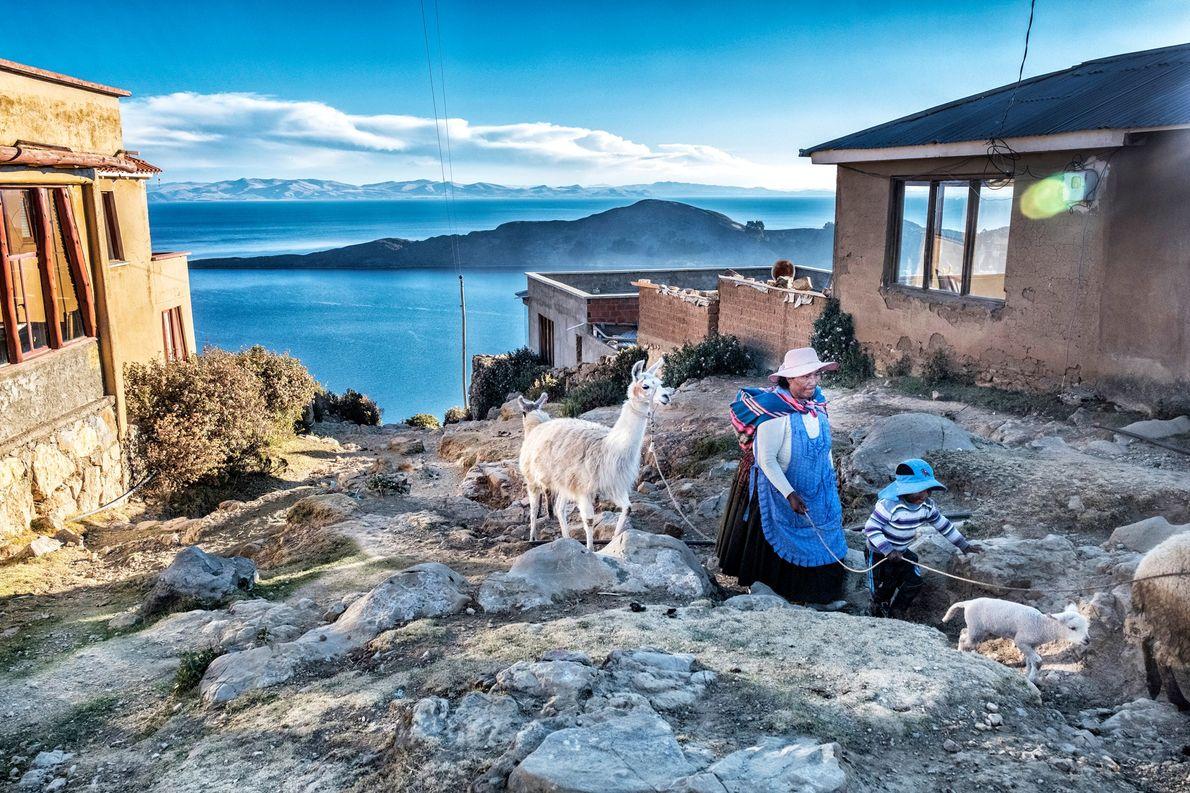 Explore as ruínas incas da maior ilha do Lago Titicaca