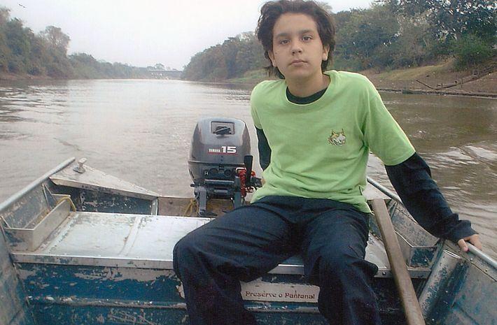 Arquivo pessoal: foi nas águas do Pantanal que Luan Santana aprendeu a pescar. Mas o cantor (na foto, ...