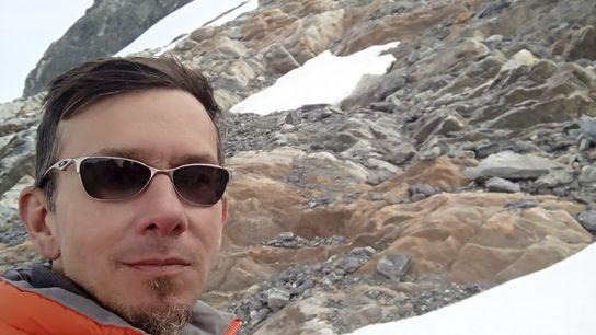 Luis trabalha com conservação e monitoramento de ecossistemas tropicais de montanha.