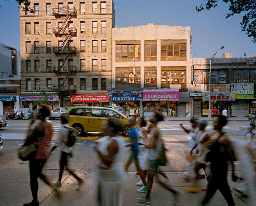 Dr. Martin Luther King Jr. Boulevard em Nova York, EUA – Renomeada em 1984 Dançarinos da performance ...