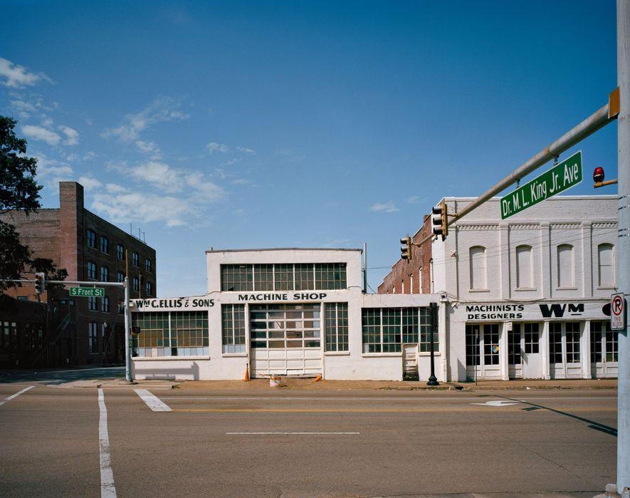Dr. M.L. King Jr. Avenue em Memphis, EUA – Renomeada em 2012 A poucos quarteirões do motel ...