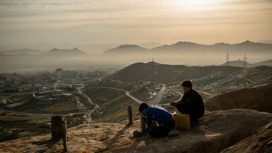 Fotógrafa conta o que viu durante a queda de Cabul, seu lar de longa data