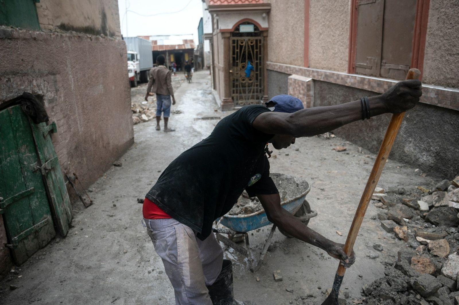 Poucos dias após o forte terremoto que atingiu o Haiti na semana passada, moradores da península ...