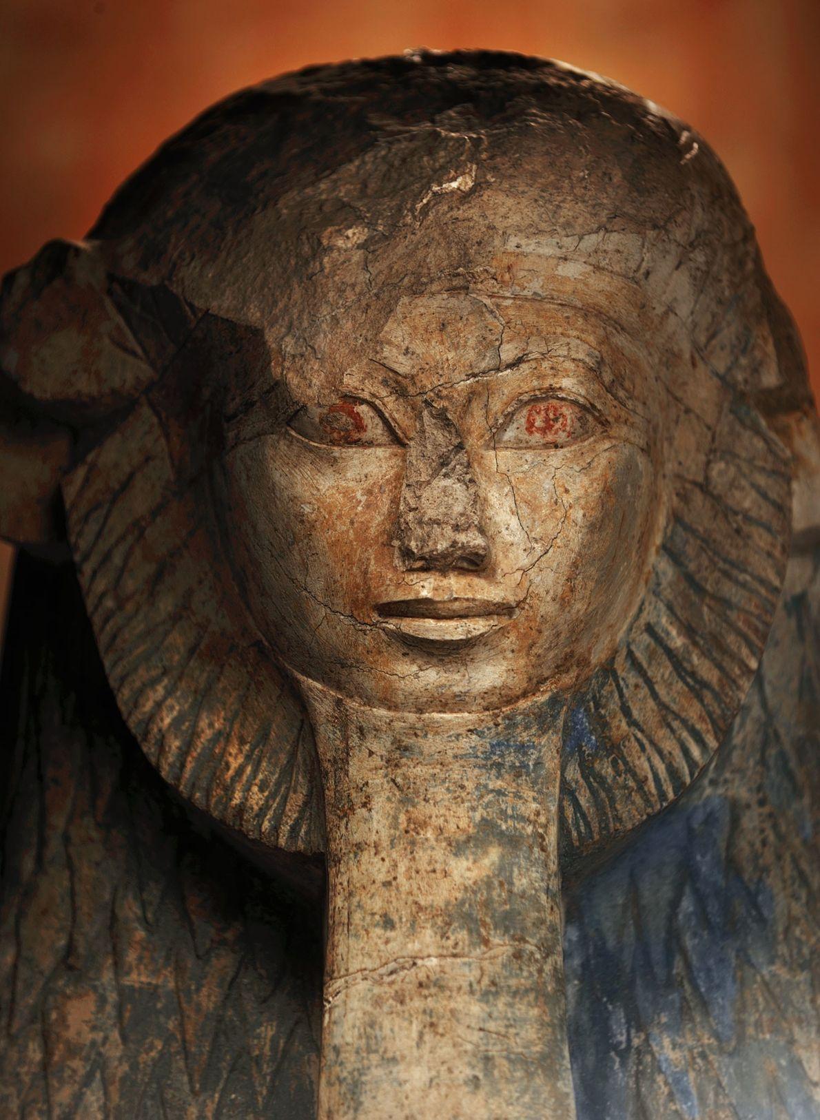 Aquela que quebrava regras: Hatshepsut  Depois de assumir o trono egípcio por volta de 1474 a.C., Hatshepsut ...