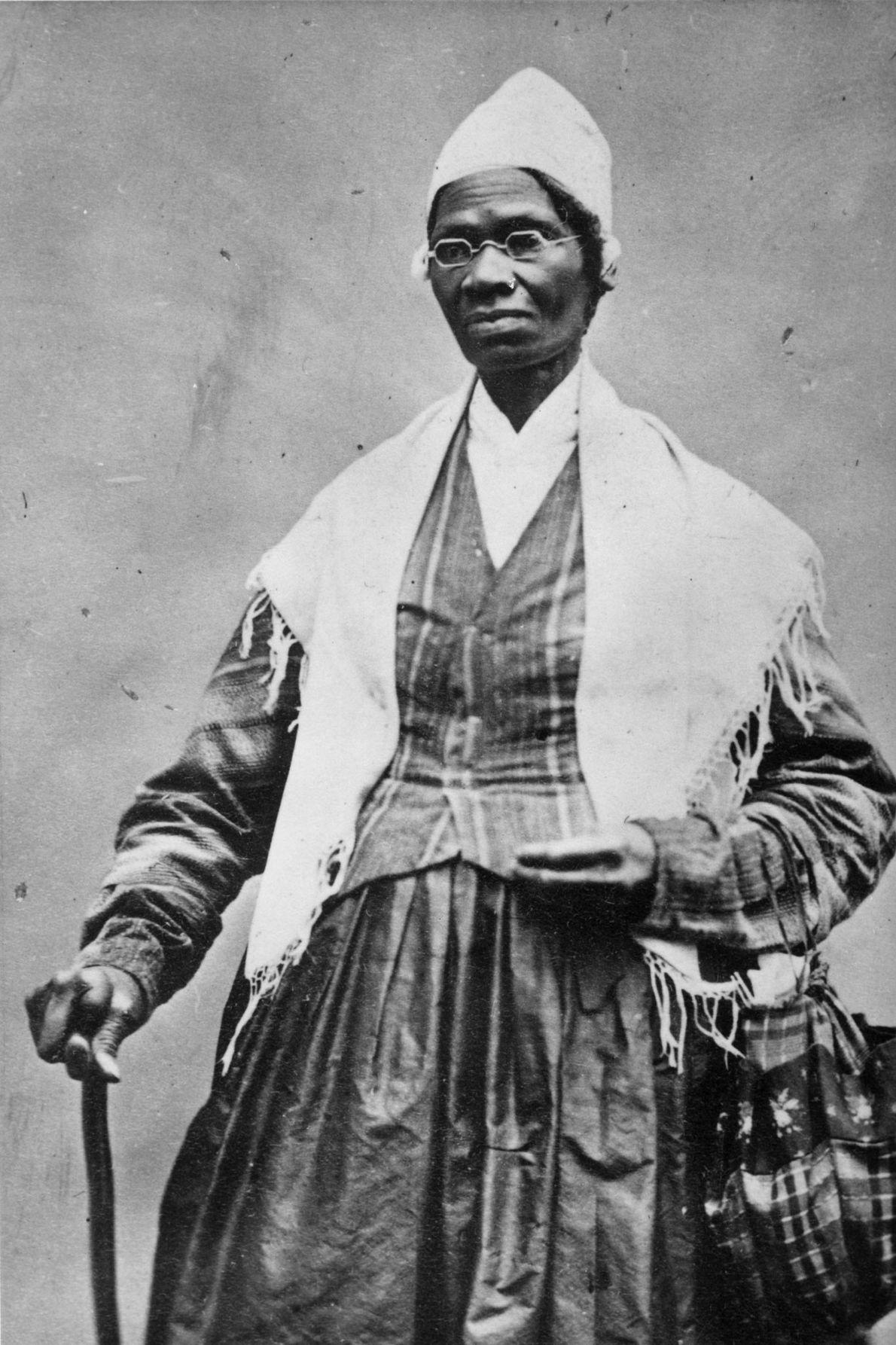 A que lutou pela liberdade: Sojourner Truth  Nascida Isabella Baumfree, no norte do estado de Nova York ...
