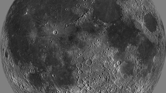 Água na superfície da Lua pode ser mais abundante do que imaginávamos