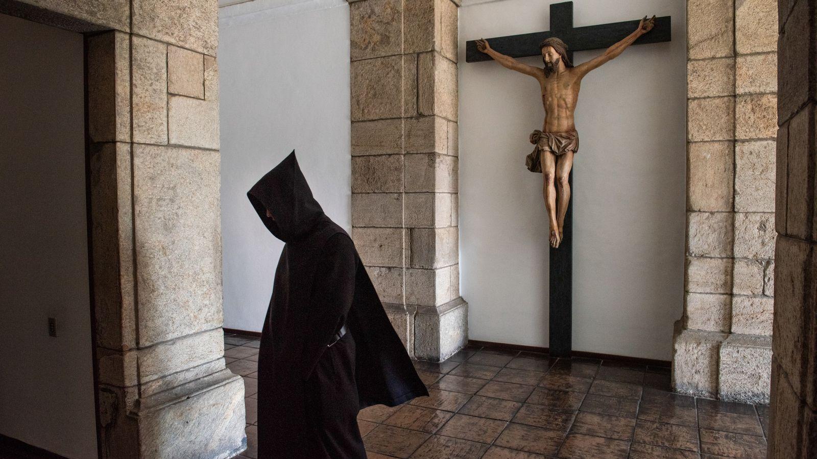 01-mosteiro-de-sao-bento-isolamento-social