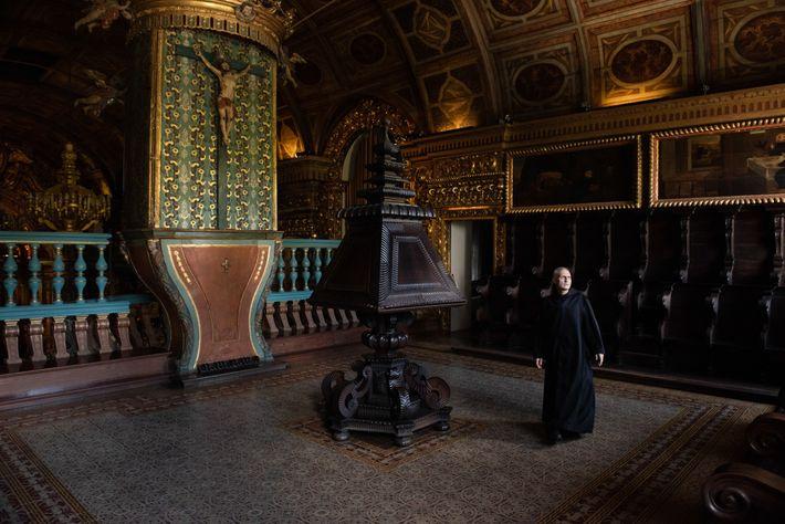 monge no mosteiro de sao bento