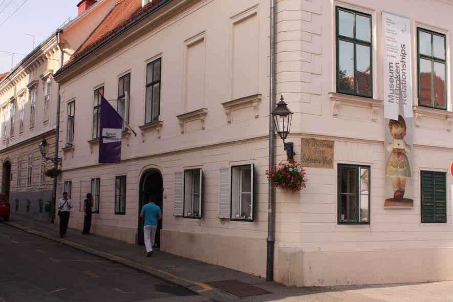 O museu encontrou um lar no antigo palácio de um pintor abstrato croata do início do ...