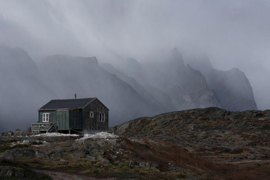 Intrigado pela rotina das comunidades locais, Chu também explorou vilarejos isolados no sul da Groenlândia, incluindo a cidade de Narsaq Kajulleq.