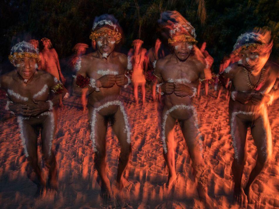 Indígenas veem tradição e cultura se perderem à medida que coronavírus vitima os guardiões dos saberes ...