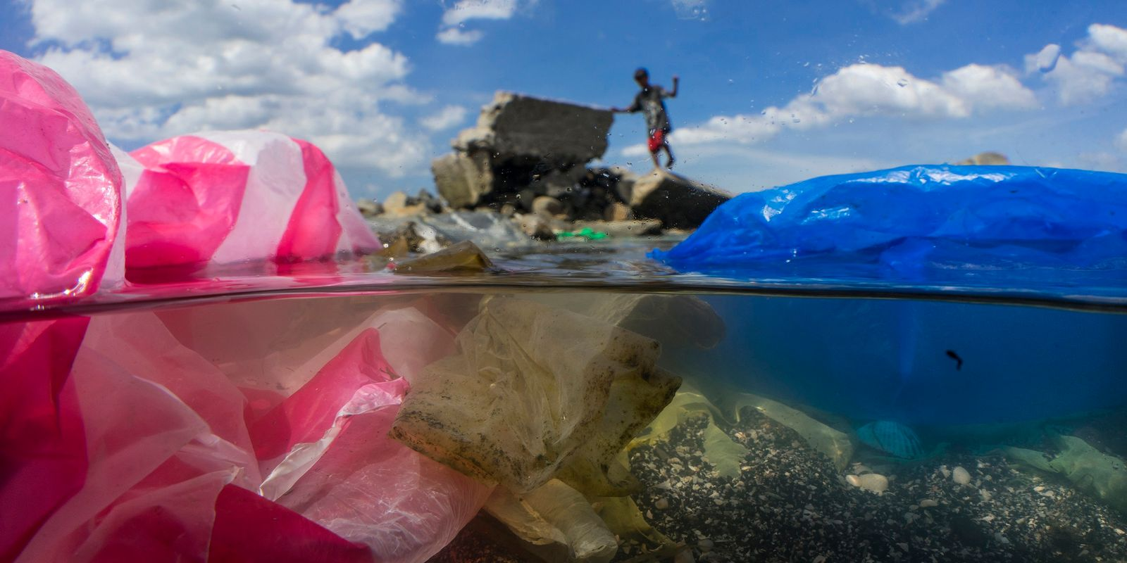 Luta contra plásticos descartáveis é atropelada durante a pandemia