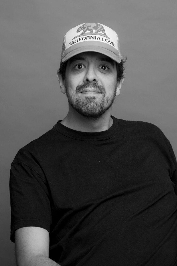 Com vasta experiência em publicidade, Nicolás apaixonado por ciências comportamentais e recente explorador da National Geographic.