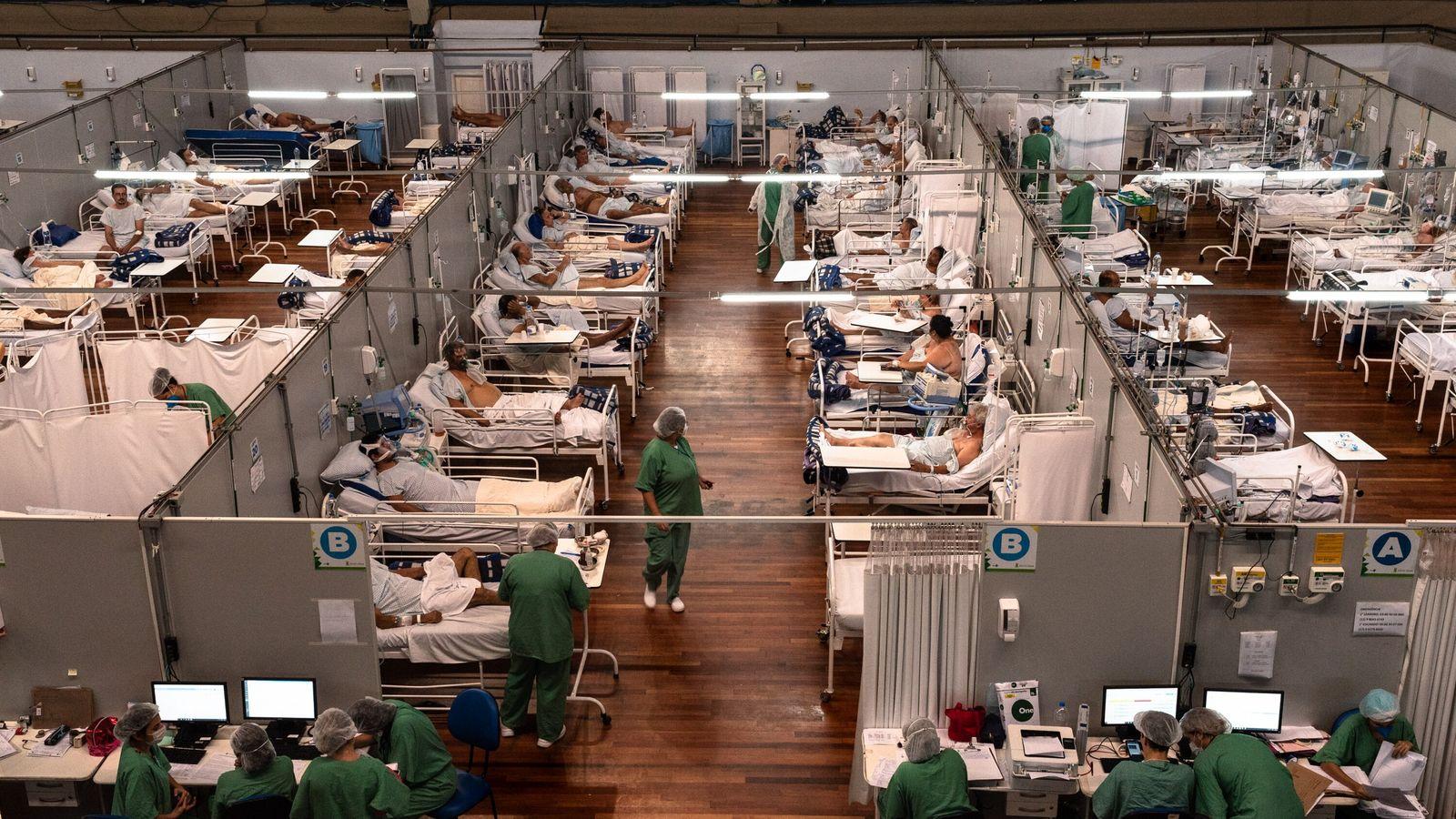 O hospital de campanha Pedro Dell'Antonia, em Santo André, região metropolitana de São Paulo, passou o ...