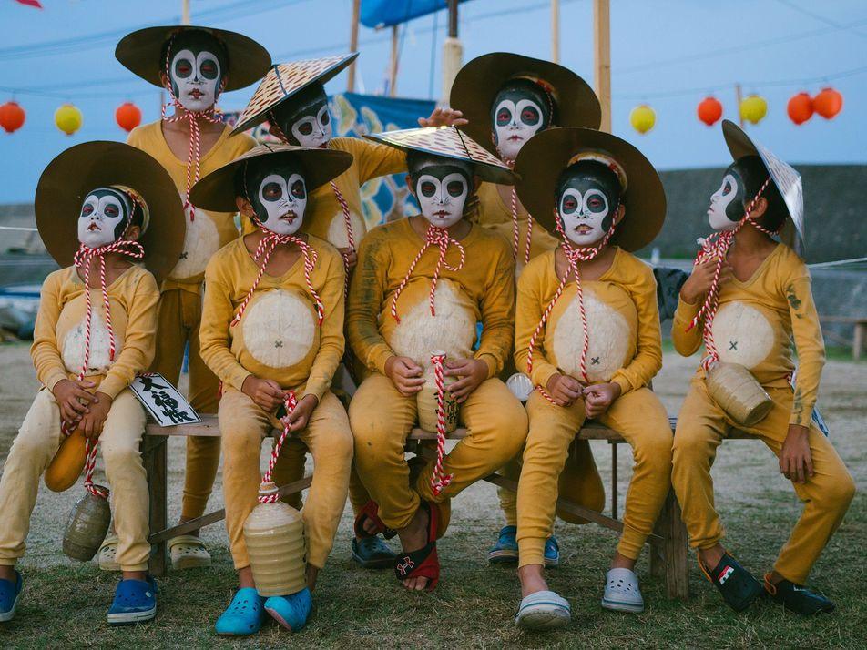 Veja imagens do festival dos mortos do Japão